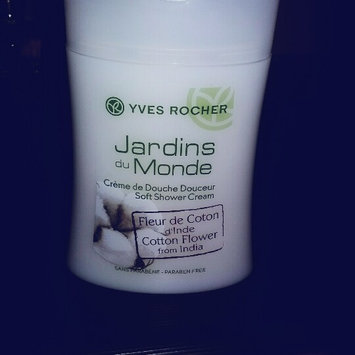 Photo of Yves Rocher - Smoothing Treatment Shampoo Anti-Frizzy Hair 300ml uploaded by hakima a.