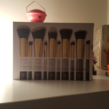Photo of BH Cosmetics Sculpt and Blend 2 - 10 Piece Brush Set uploaded by Maria H.