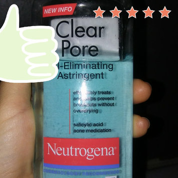 Photo of Neutrogena Clear Pore Oil-Controlling Astringent uploaded by Maria G.