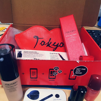 Photo of Shiseido Synchro Skin Glow Luminizing Fluid Foundation Broad Spectrum SPF 20 uploaded by Ayla W.