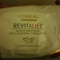 L'Oréal Paris RevitaLift® Radiant Smoothing Wet Cleansing Towelettes uploaded by Naomi V.