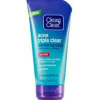 Clean & Clear® Advantage® 3-in-1 Exfoliating Cleanser uploaded by Hajer z.