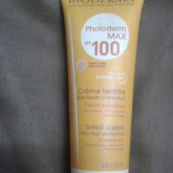 Photo of Bioderma Photoderm Max Very High Protection Milk SPF50+ (For Sensitive Skin) - Tube 100ml/3.3oz uploaded by menna R.
