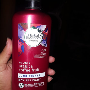 Photo of Herbal Essences Cucumber and Green Tea Dry Shampoo uploaded by Yanna V.