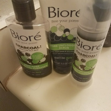 Photo of Bioré Charcoal Acne Clearing Cleanser uploaded by Angel W.