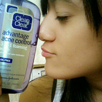 Clean & Clear® Advantage® 3-in-1 Exfoliating Cleanser uploaded by Jornet P.