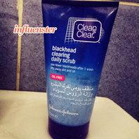 Clean & Clear Blackhead Clearing Scrub uploaded by Asma M.