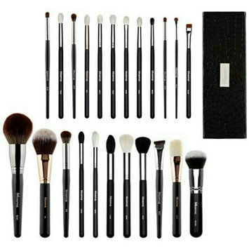 Photo of Morphe x Jaclyn Hill Favorite Brush Collection uploaded by norah mohammad a.
