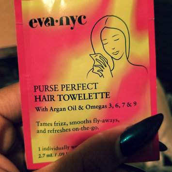 Photo of Eva NYC Purse Perfect Hair Towelettes uploaded by Danhaelle S.