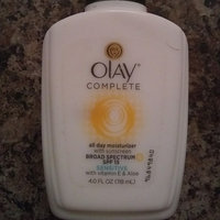 Olay Complete All Day Moisturizer with Vitamin E & Aloe Vera uploaded by Alejandra M.