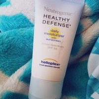 Neutrogena® Healthy Defense® Daily Moisturizer with Sunscreen Broad Spectrum SPF 30 uploaded by Giselle C.