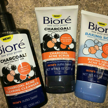 Photo of Biore® Charcoal Acne Clearing Cleanser uploaded by Nusi_nus J.