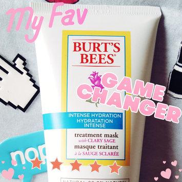Photo of Burt's Bees Intense Hydration Cream Cleanser uploaded by zara c.