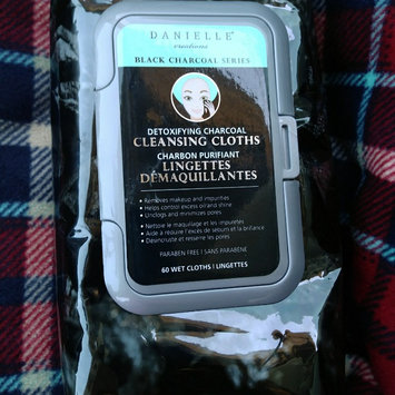 Photo of Detoxfiying Cleansing Face Cloths uploaded by Erica C.