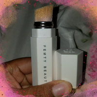 FENTY BEAUTY by Rihanna Portable Highlighter Brush 140 uploaded by Jasmine-Symone W.