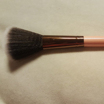 Luxie Rose Gold Synthetic 5 Piece Kabuki Brush Set uploaded by Nikki M.