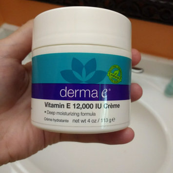 Photo of Derma E Vitamin E Severely Dry Skin Creme uploaded by Yesenia P.