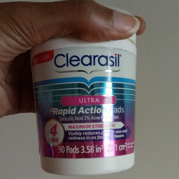 Photo of CLEARASIL® Rapid Rescue Deep Treatment Pads uploaded by Dione P.