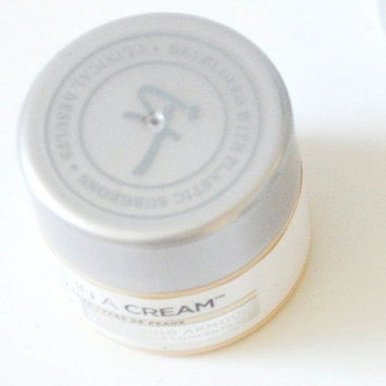 Photo of IT Cosmetics Confidence in a Cream Transforming Moisturizing Super Cream uploaded by Theresa M.