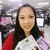 Earth Therapeutics 30-ct. Collagen Cleansing & Makeup Removing Facial Towelettes, Multicolor uploaded by Kimberly d.