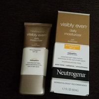 Neutrogena® Visibly Even® Daily Moisturizer with Sunscreen Broad Spectrum SPF 30 uploaded by Carrliitaahh M.