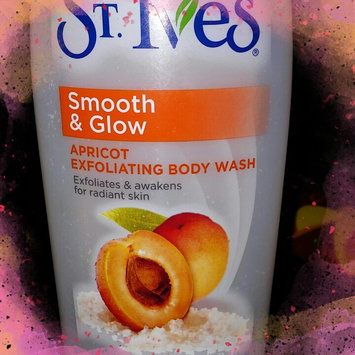Photo of St. Ives Exfoliating Apricot Body Wash uploaded by Deborah Q.