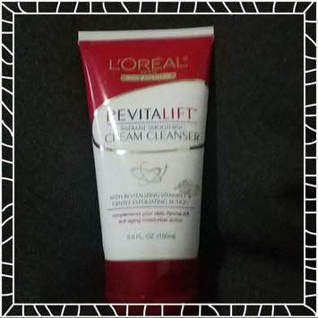 Photo of L'Oréal Paris RevitaLift® Radiant Smoothing Cream Cleanser uploaded by Gisela Q.