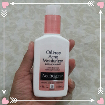 Photo of Neutrogena® Oil-Free Acne Wash Pink Grapefruit Foaming Scrub uploaded by 🌹Mary Camil D.