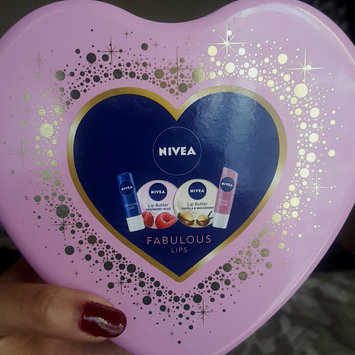 Photo of NIVEA Soft Rose Lip Balm uploaded by abia-kyarna R.