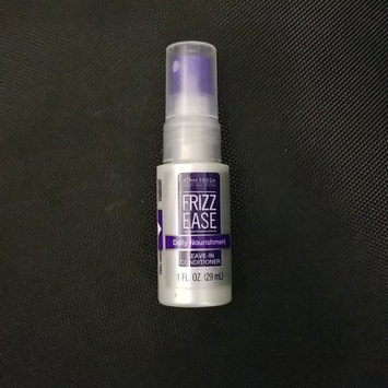 Photo of John Frieda® Frizz Ease Daily Nourishment Leave-in Conditioner uploaded by Luana L.