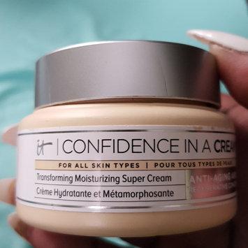 Photo of IT Cosmetics Confidence in a Cream Transforming Moisturizing Super Cream uploaded by Tiffany E E.