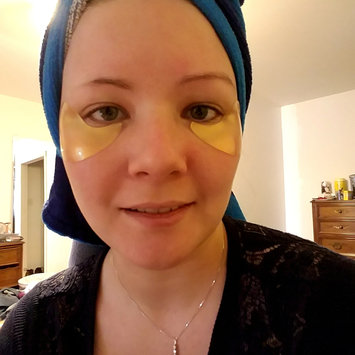 Photo of Peter Thomas Roth 24K Gold Pure Luxury Lift and Firm Hydragel Eye Patches 60 ct uploaded by Veronica S.