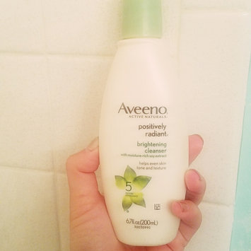 Photo of Aveeno Positively Radiant Cleanser uploaded by Rosi D.