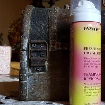 Photo of Eva NYC Freshen Up Dry Shampoo uploaded by Cristal M.