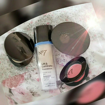 Photo of Boots No7 Perfect Light Pressed Powder uploaded by ♡momof2♡makeup♡smalltowngirl♡ H.