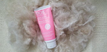 Photo of eos Ultra Moisturizing Shave Cream uploaded by ♡momof2♡makeup♡smalltowngirl♡ H.