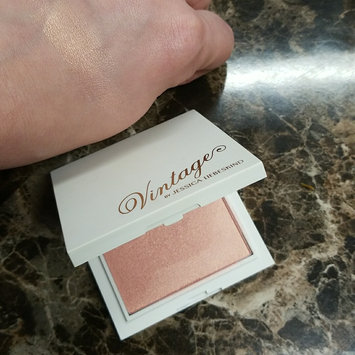 Photo of Jessica Liebeskind Illuminating Face Highlighter uploaded by Vickmarie G.