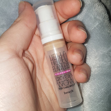 Photo of Benefit Cosmetics Hello Flawless Oxygen Wow! Liquid Foundation uploaded by Saray A.