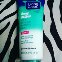 Clean & Clear® Deep Action Cream Cleanser uploaded by Veronica T.
