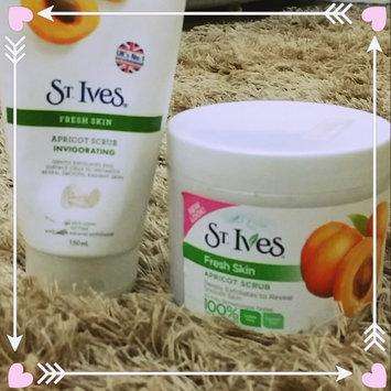 Photo of St. Ives Fresh Skin Apricot Scrub uploaded by Hend N.