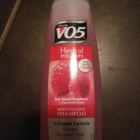 Alberto VO5® Moisture Milks Moisturizing Shampoo Strawberries & Cream uploaded by Devin H.