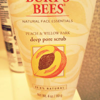 Burt's Bees Peach & Willow Bark Deep Pore Scrub uploaded by Crystal C.