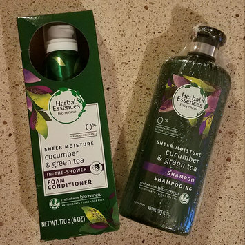 Photo of Herbal Essences Cucumber & Green Tea Foam Conditioner uploaded by Tawny W.