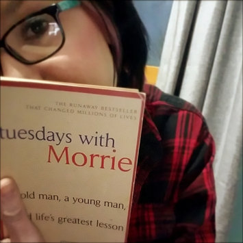 Photo of Anchor Books Tuesdays With Morrie: Old Man, a Young Man, and Life's Greatest Lesson uploaded by Wendi S.