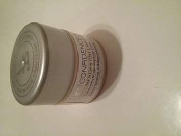 Photo of IT Cosmetics Confidence in a Cream Transforming Moisturizing Super Cream uploaded by Arlana S.