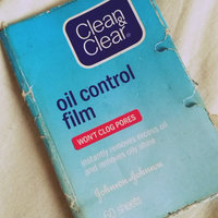 Clean & Clear® Oil Absorbing Sheets uploaded by Frances S.