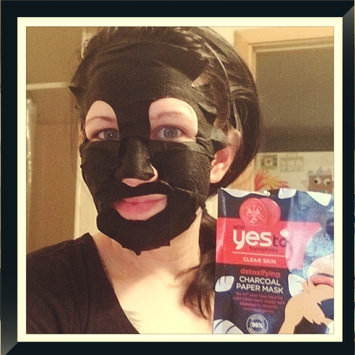 Photo of Yes To Tomatoes Detoxifying Charcoal Paper Mask uploaded by Katy G.