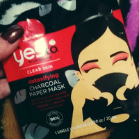 Yes To Tomatoes Detoxifying Charcoal Paper Mask – Single Use uploaded by Amber D.
