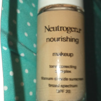 Photo of Neutrogena® Nourishing Long Wear Liquid Makeup Broad Spectrum SPF 20 uploaded by Estela L.