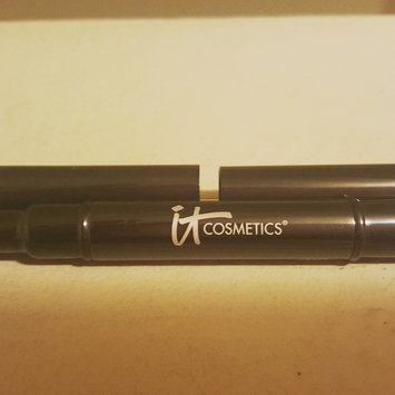 Photo of IT Cosmetics Dual Airbrush Concealer Brush uploaded by Lizette O.